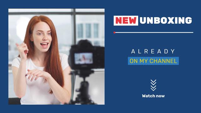 Plantilla de diseño de Woman Video Blogger Presenting by Camera Full HD video