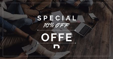 Special Discount Offer with People working on floor Facebook ADデザインテンプレート
