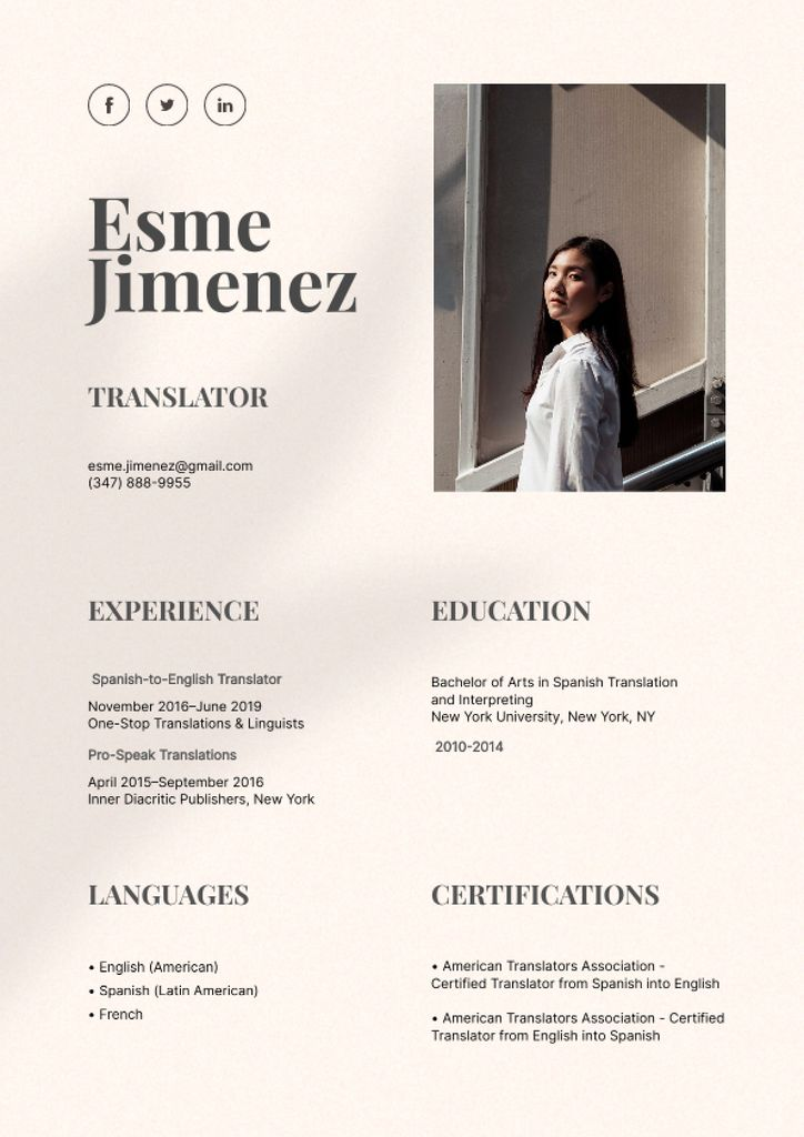 Translator skills and experience Resume Modelo de Design