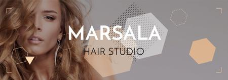 Hair Studio Ad Woman with Blonde Hair Tumblr Modelo de Design