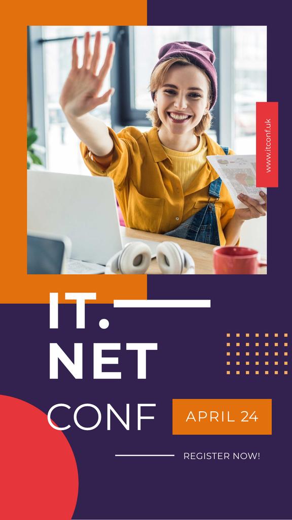 IT Conference Announcement Smiling Creative Woman — Crea un design