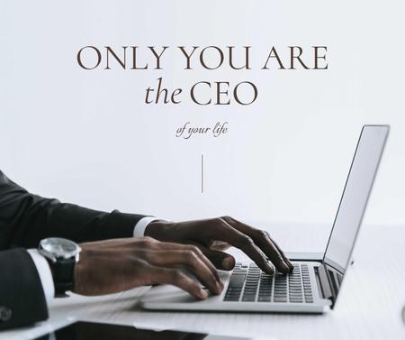 Plantilla de diseño de Business Quote with Businessman working on Laptop Facebook