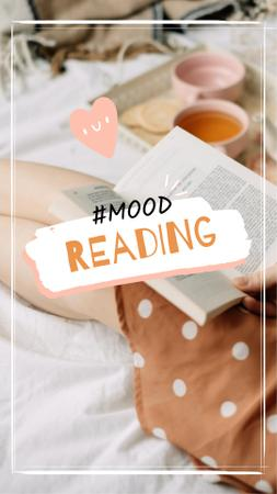 Girl Reading in bed Instagram Video Story Modelo de Design