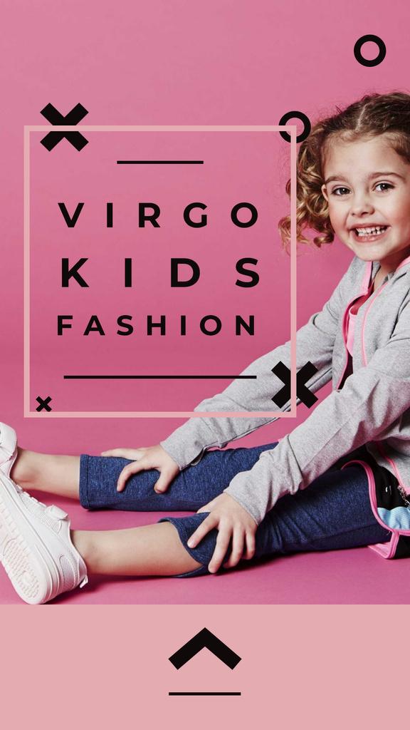 Modèle de visuel Kids' Clothes Ad with smiling Girl - Instagram Story