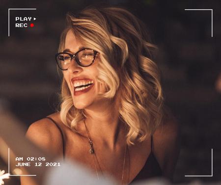 Happy Beautiful Smiling Woman Facebook – шаблон для дизайна