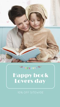 Modèle de visuel Book Lovers Day Greeting with Woman reading with Child - Instagram Story