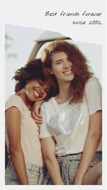 Plantilla de diseño de Cute Happy Girls hugging TikTok Video