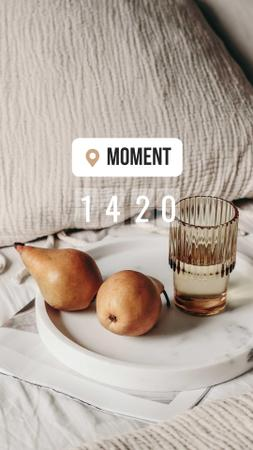 Ontwerpsjabloon van Instagram Story van Pears and Glass of Water in Bed