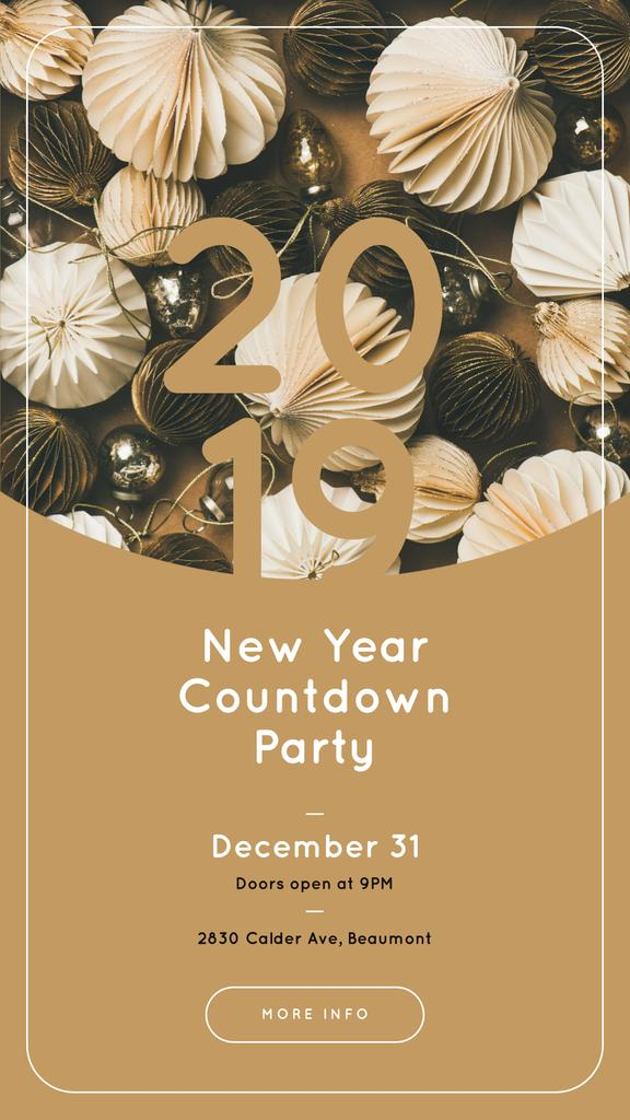 Countdown Party Annoucement with Shiny Christmas decorations — Crear un diseño