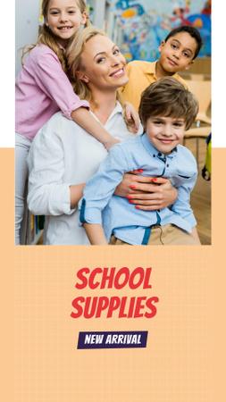 Plantilla de diseño de School Supplies Offer with Teacher and Kids Instagram Story