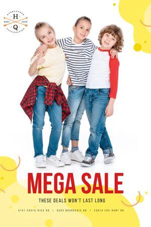 Clothes Sale with Happy Kids Tumblr Modelo de Design