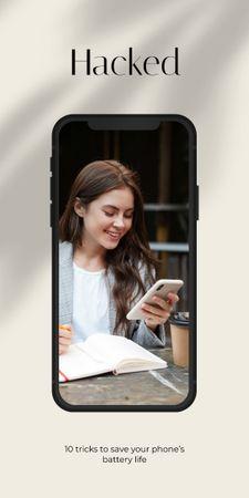 Template di design Smiling Girl using Smartphone Graphic
