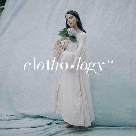 Plantilla de diseño de Woman in Tender Dress holding Flower Logo