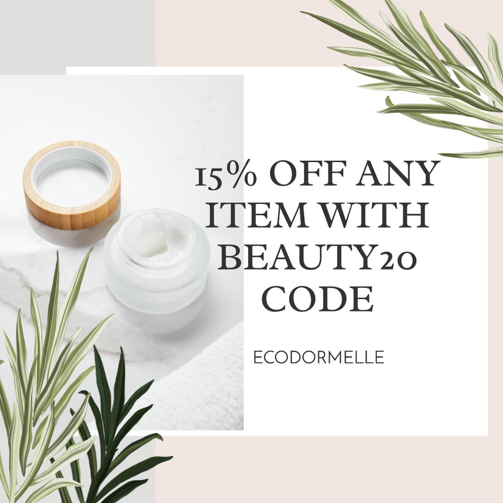 Cosmetic Items Discount Offer Instagram AD Modelo de Design
