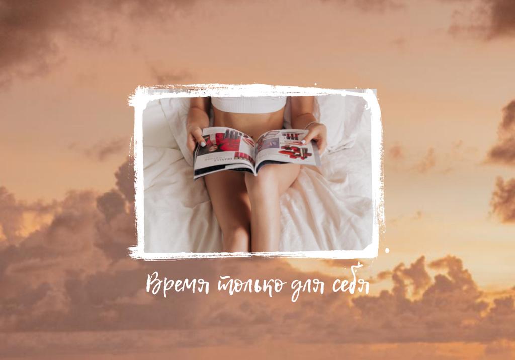 Girl resting and Reading magazine — Crear un diseño
