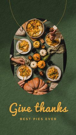 Ontwerpsjabloon van Instagram Story van Thanksgiving Holiday Celebration with Festive Dinner