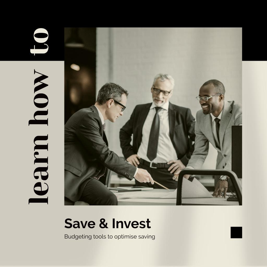 Business Team working on Investment strategy Instagram Modelo de Design