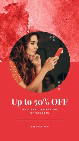 Gadgets Sale Ad with Woman using Phone Instagram Story Modelo de Design