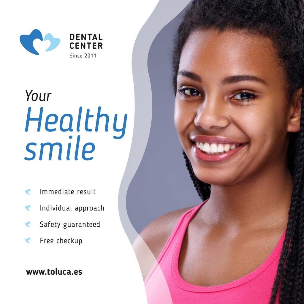 Modèle de visuel Dental Clinic Promotion Woman with White Teeth - Instagram AD
