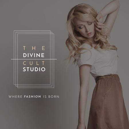 Fashion Studio Ad Blonde Woman in Casual Clothes Instagram AD Modelo de Design