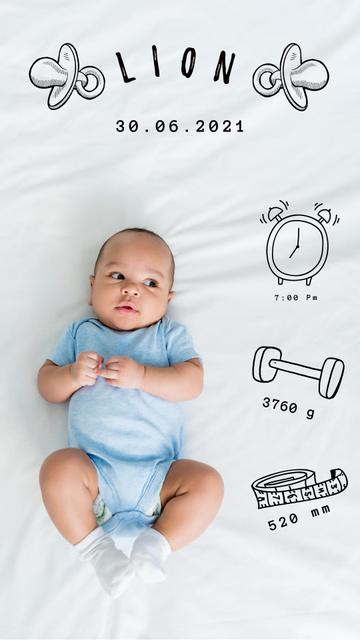 Plantilla de diseño de Cute Newborn Boy lying in Bed Instagram Story