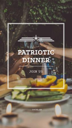 Modèle de visuel Family on USA Independence Day patriotic Dinner - Instagram Story