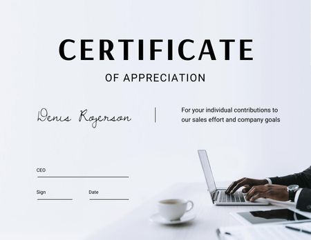 Template di design Business Achievement Award with Businessman typing on Laptop Certificate