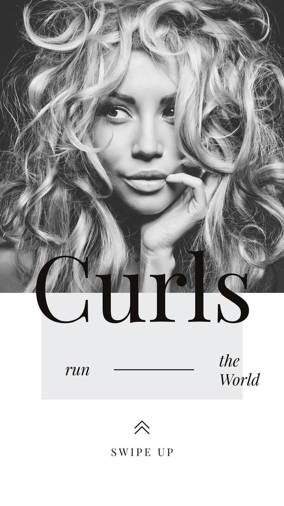 Curls Care Tips with Woman with Messy Hair — ein Design erstellen