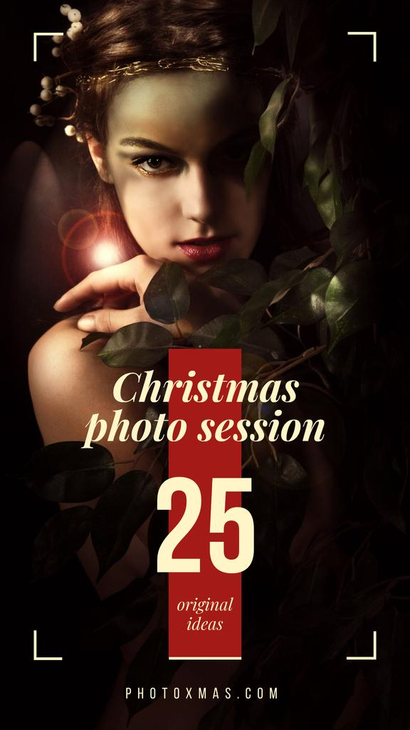 Young girl in festive accessories on Christmas — Crear un diseño
