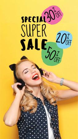 Szablon projektu Cyber Monday Sale Announcement with Cute Funny Girl Instagram Story