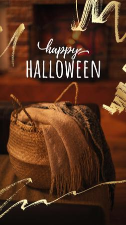 Halloween Greeting with Cozy Fireplace Instagram Story Modelo de Design
