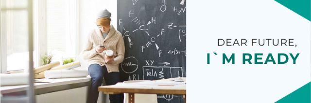 Plantilla de diseño de Inspirational Quote with Student in Classroom Email header
