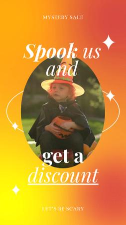 Designvorlage Halloween Discount Offer with Cute Boy in Costume für Instagram Video Story