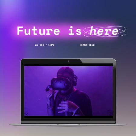 Ontwerpsjabloon van Animated Post van Man in VR Glasses on Laptop Screen