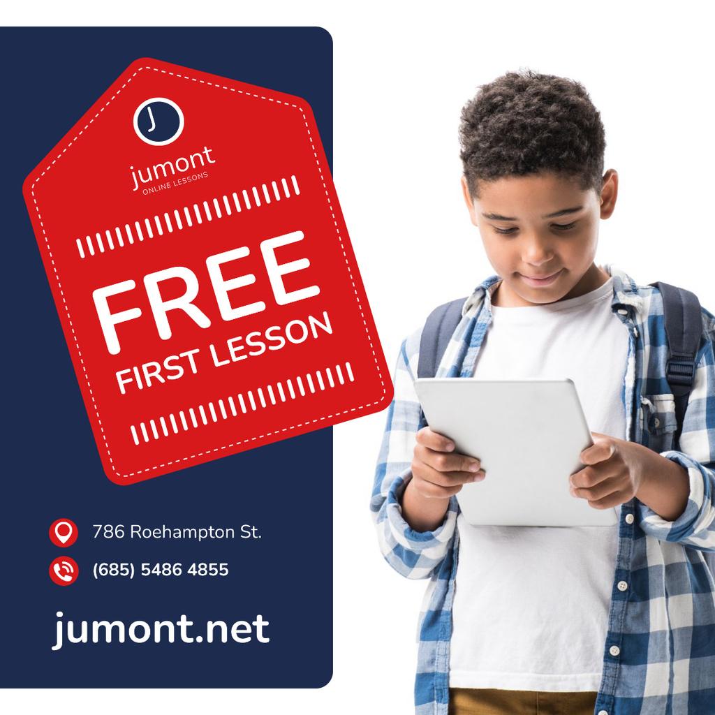 Education Courses Ad Boy Holding Notepad — Crear un diseño