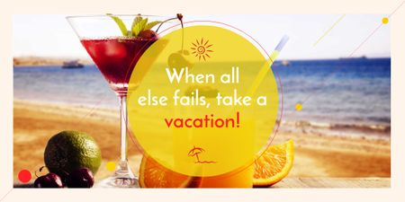 Vacation Offer Cocktail at the Beach Image Modelo de Design
