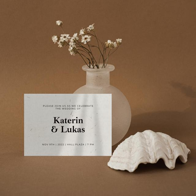 Platilla de diseño Wedding Invitation with Tender Flowers in Vase Instagram
