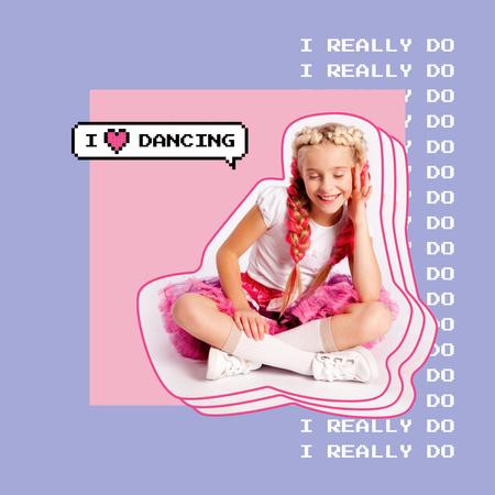 Plantilla de diseño de Stylish Little Girl in Pink Outfit Instagram