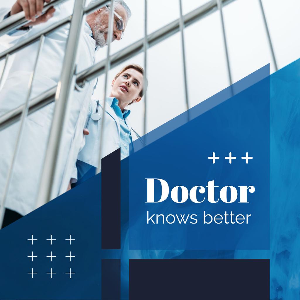 Modèle de visuel Team of Doctors Talking in Blue - Instagram AD