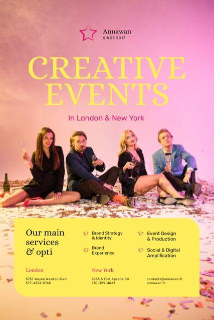 Szablon projektu Creative Event Invitation People with Champagne Glasses Tumblr