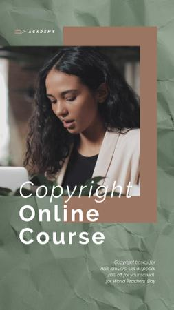 Online Courses Ad Woman Typing on Laptop Instagram Video Storyデザインテンプレート