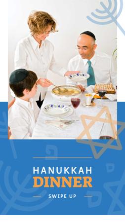 Template di design Family celebrating Hanukkah Holiday Instagram Story