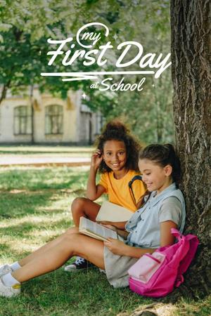 Modèle de visuel Back to School with Cute Little Girl - Pinterest