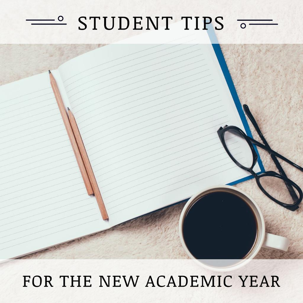 Student Tips Open Notebook and Coffee — Crea un design