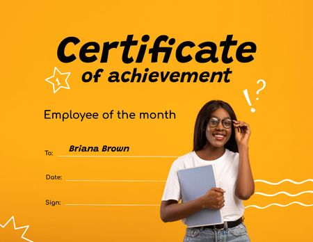 Template di design Employee of month Award with Smiling Woman Certificate