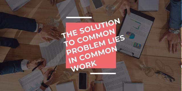 Szablon projektu Teamwork Quote Colleagues Working on Report Image