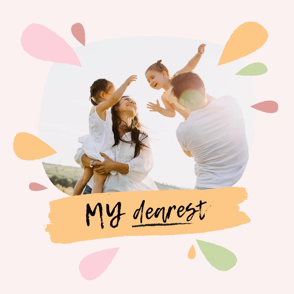 Family Day with Parents holding Kids Instagram Tasarım Şablonu