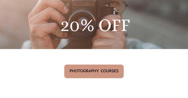 Photography Courses Offer with Man holding Camera Facebook AD Modelo de Design