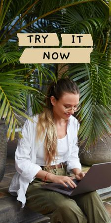 Young Woman typing on Laptop Graphic – шаблон для дизайну