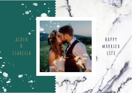 Template di design Wedding Greeting Young Kissing Newlyweds Card